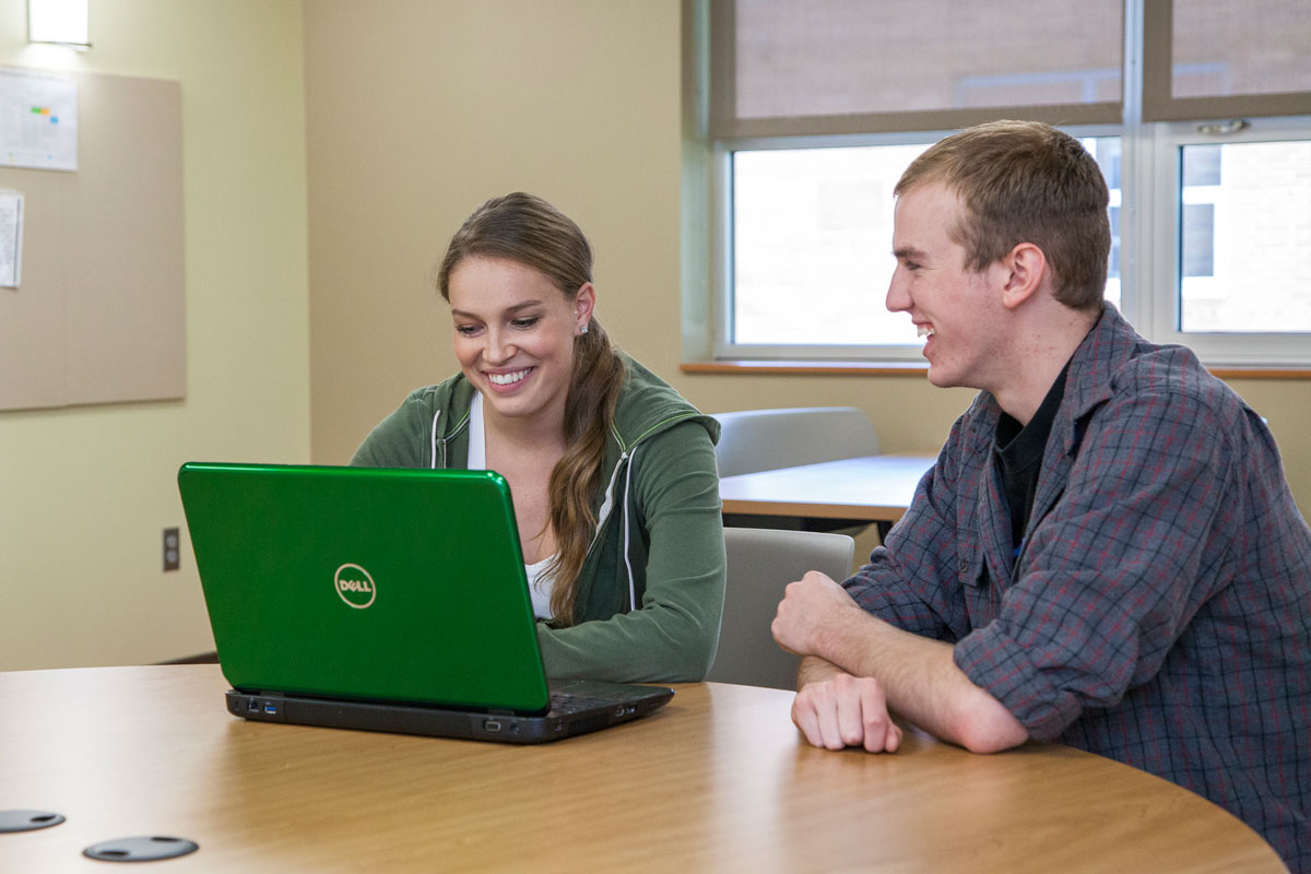 students-taking-online-class-computer-nwccd-wyoming