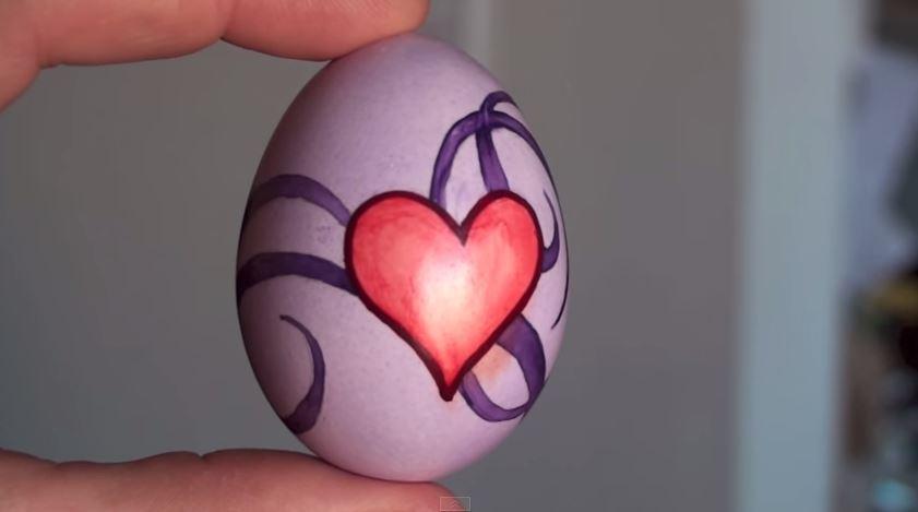 Vajíčko se srdcem (vodovkami)