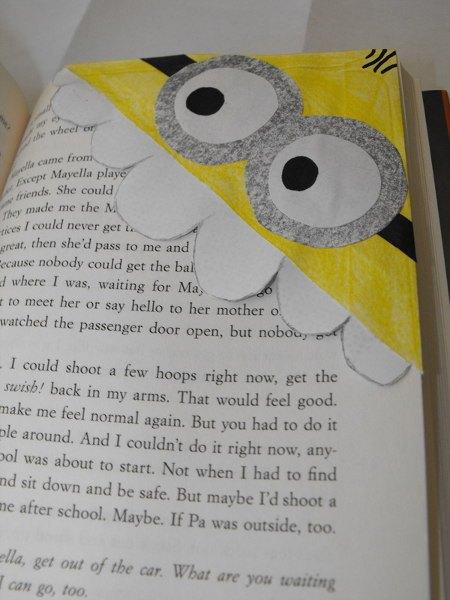 creative-diy-corner-bookmark-minions
