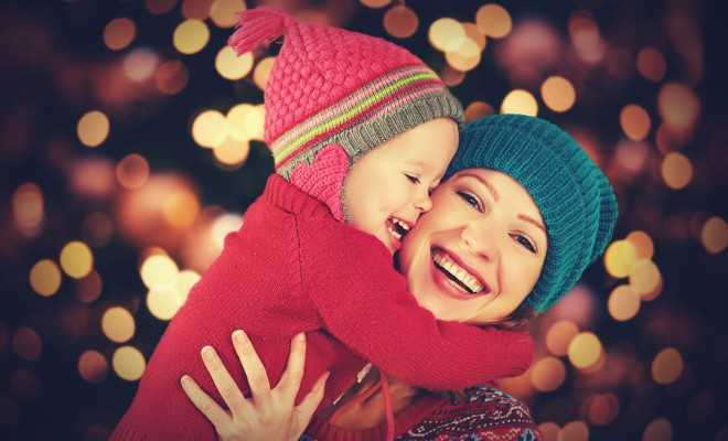 christmas-happy-family-mother-and-kid-660x400-compressed